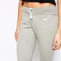 Nike Skinny Sweat Pants