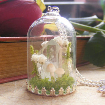 Crystal terrarium necklace, clear quartz point, gift for her, moss bottle, healing crystal , gift from Ireland, miniature terrarium, flower