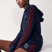 Tommy Hilfiger X UO Marshmallow Hoodie Sweatshirt | Urban Outfitters