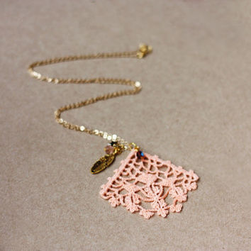 Antique lace pendant necklace - peach pink pastel spring jewelry