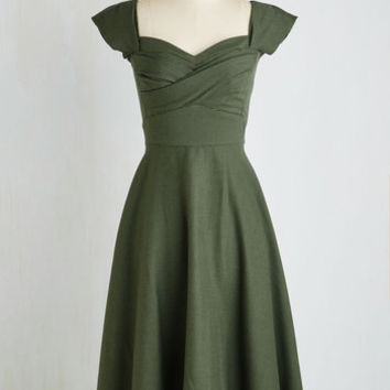 Stop Staring! Pine All Mine Midi Dress in Evergreen | Mod Retro Vintage Dresses | ModCloth.com