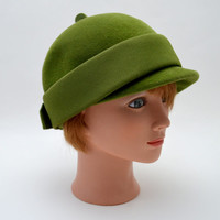 Adorable Vintage Cloche Hat, Olive Green Felt, Gene Doris, c 1950s