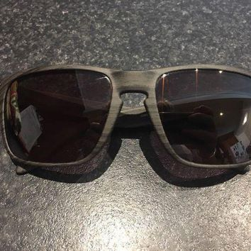 DCCKB7E Oakley Sunglasses Brand New