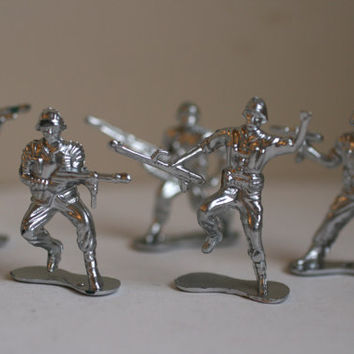 Set Of 8 Chrome Army Men, Silver Painted Army Men.