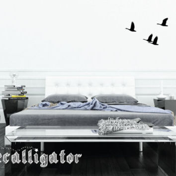 "Wall Decal - Geese in ""V"" Formation - Nature Vinyl Wall Mural - Beautiful Art for Home Decor [028]"