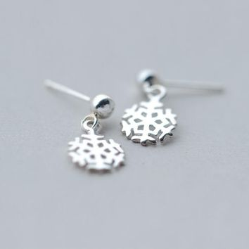 Lovely snowflake 925 sterling silver earrings,a perfect gift