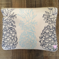 Cameron Hawaii - Pineapples Clutch | Indigo/Beach Glass