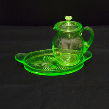 Depression Era Boudoir Set Cambridge Glass No 488 Light Emerald Green Uranium Glass Bedside Lidded Pitcher Jug & Starburst Tray ca. 1920s