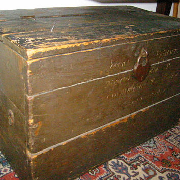 Metal Heart Padlock Antique Wood Blanket Chest