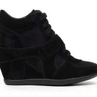 Breckelles Metro-01W Suede Lace Up Wedge Sneaker
