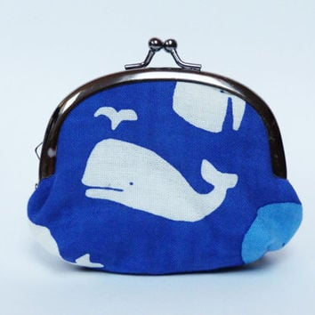 Metal frame coin purse - Blue and white whale fabric