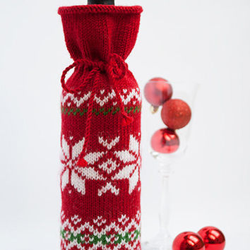 Christmas Wine Bottle Cozy, Christmas Gift, Present, Accessory, Holiday Decoration, Cover, Wrap, Scandinavian, Red, White, Green, Snowflakes