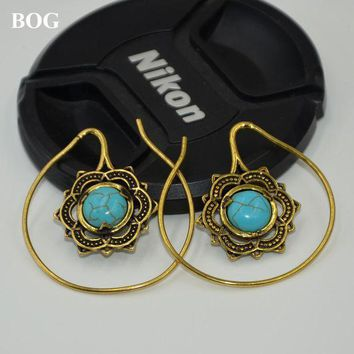 ac PEAPO2Q Gold Brass Mandala Flower With Stone Earrings Hoop Indian Fashion Ear Hanger Weight Percing Body Jewelry 14g