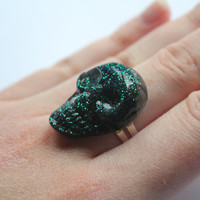Sparkly Black and Green Glitter Resin Crystal Skull on Silver adjustable ring perfect to rock your outfit or for halloween