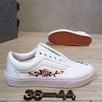 Fashion Online Vans Casual Roses Embroider Shoes Men And Women Cloth Shoes White G-csxy