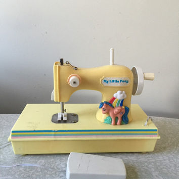 Vintage My Little Pony Sewing 80s Machine