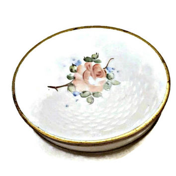 Rex Fifth Avenue  Guilloche Style Compact Powder and Mirror White with Pink Rose