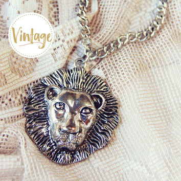 Vintage Leo Zodiac Necklace