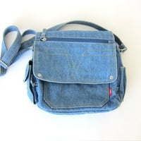 vintage jean purse. hipster denim purse. basic crossbody purse. denim shoulder bag.