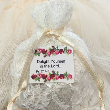 Scripture Tea Bags in Lace Sachet with Printed Bible Verses - Christmas Tea