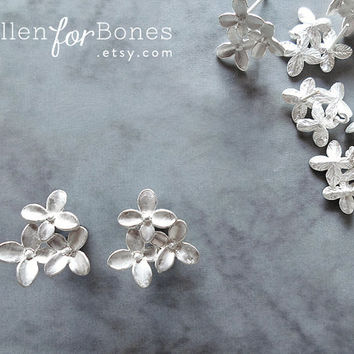 Silver Tiny Flower Cluster Stud with Loops Mini Flower Earring Post Jewelry Supplies ∙ 2pcs