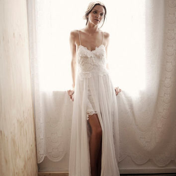 Boho lace wedding dress stunning low back and floaty skirt