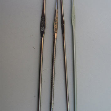 "Crochet Hook Destash, Set of 4 Steel Hooks, Vintage, Size 8, 2 or C, 0 and 0, 5"" long, Boye, Susan Bates, Hero"
