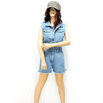 90s frayed denim romper / size S / M / 5 / 7 / faded frayed denim one piece shorts / jean shorts / coveralls