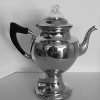 Vintage  Mannning-Bowman Coffee Percolator.  Beautiful Chrome in great condition.