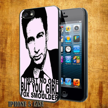 Fox Smoulder I Trust No One Design On Hard Plastic Cover Case, IPhone 4,4S or IPhone 5 Case, Samsung Galaxy S2,S3 or S4 Case