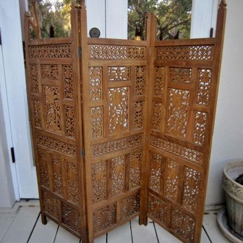 Accessories: Modern Furniture For Living Room Decoration Using Carved Wood Antique Folding Screen Room Dividers. Riental Screen Room Divider, Room Partition, Wheeled Room Divider Commercial, Folding Screen Divider, 5 Panel Room Divider | Oaktreelife - Insp