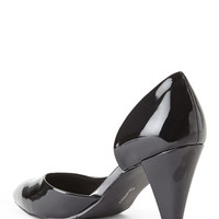 CL BY CHINESE LAUNDRY Black Angelina Vegan Patent Dress Pumps. Black. Size 8