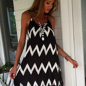 Black and White Striped Wave Pattern Spaghetti Strap A-Line Chiffon Fringed Mini Dress