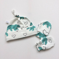 Baby gift set: organic white knot hat and mitts with polar bears, baby knotted hat, scratch mitts. Mitts and hat set