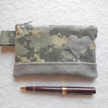 ACU Coin Purse  - US Army Digital Camouflage Wallet - Patriotic American Heart - Small Cotton Pouch - Camo Wallet - ACU Wallet Girl Woman