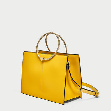 RIGID TOTE BAG WITH METAL HANDLE DETAILS