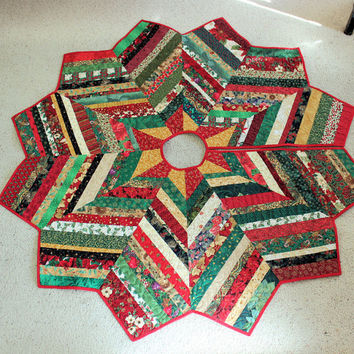 Christmas Tree Skirt Quilt - 62 Inch Scrappy and Glitzy Red Green Gold Chevron Style