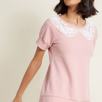 Sweet and Greet Short Sleeve Top in Rose