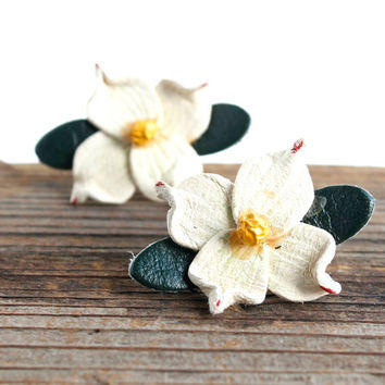 Vintage White Dogwood Earrings - Tooled Leather Floral Costume Jewelry / Flower Post Earrings