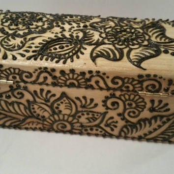 Ornate Henna Stash Box,  Dabber Box,  Dabber case,  paper holder, Qtip case