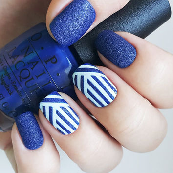 Weaving Lines nail art stencils - incredible nail art vinyls by Unail