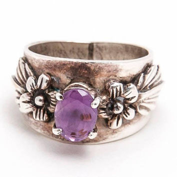 Carol Felley Sterling Silver Ring Carved Floral Designs Flanking an Oval Cut Amethyst, Amethyst Ring, February Birthstone Ring, Vintage Ring