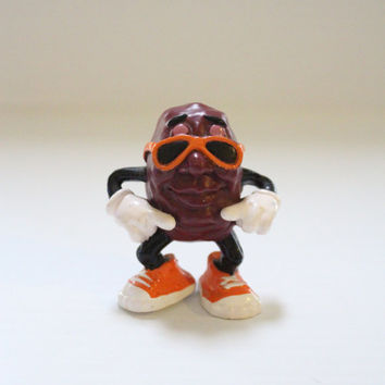 CALIFORNIA RAISIN with Sunglasses, Vintage 1987 figure, Vintage PVC figure, Summer figure, vintage summer collectible, retro advertising