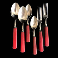 Vintage Flatware Red Bakelite 1940s Vintage Kitchen Bakelite Spoons and Forks Six Pieces Plus 2 Extra Universal Stainless Steel Cutlery