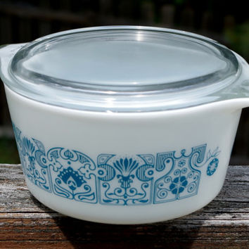 Blue Horizon Pyrex Cinderella Bowl- Covered Casserole Dish- 1 Quart-  Excellent Condition- Art Deco Floral Design