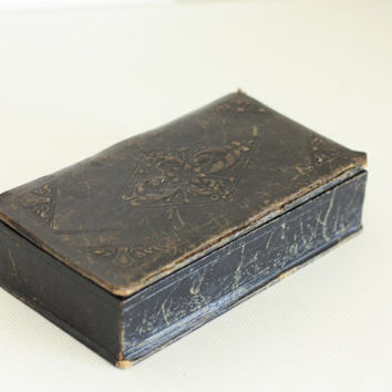 Fabulous antique black Embossed leather box // collectible box