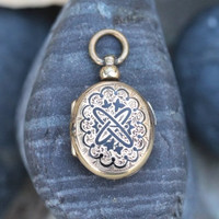 Taille d'Epargne Gold Filled Locket with Tin Type Photos under Glass