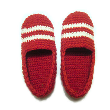 red crochet slippers, woman house slippers, crochet home shoes, mother gift, friend gift, size 5 6 7 8 9 10 11 12