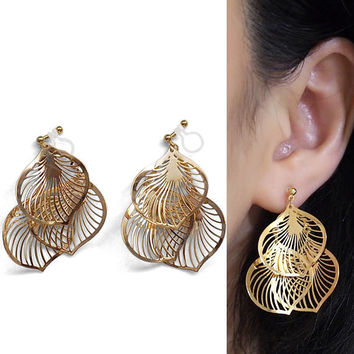 Dangle Gold Filigree Invisible Clip on Earrings Leaf Lace Clip Earrings Non Pierced Earrings Leave Clip-ons Boho Earrings Gift for Her