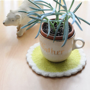 Wooly Trivet | Neon Yellow-Green/White